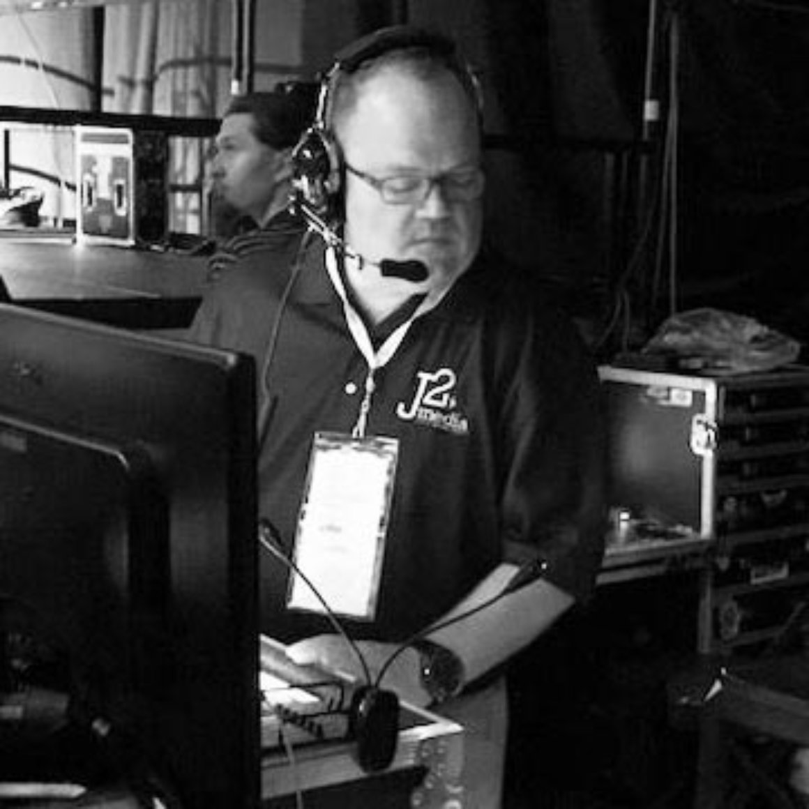 j2media-profilepicture-home-b&w-paul